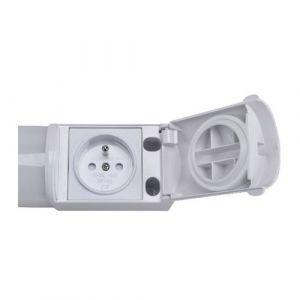 Réglette LED 230V 8W 900lm 4000°K 492mm blanc avec interrupteur et prise 2P+T