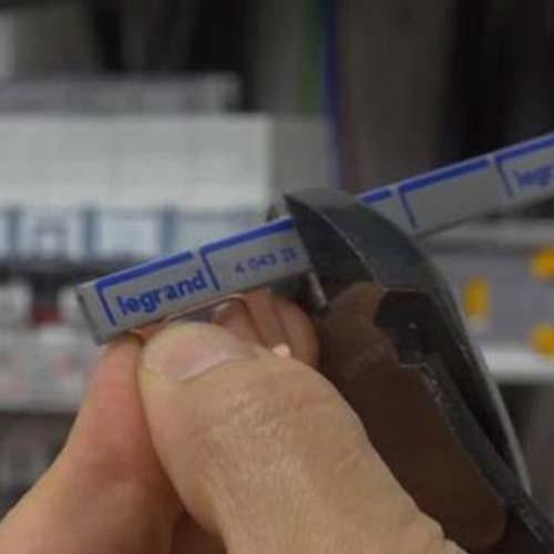 LEGRAND Peigne universel électrique 13 modules