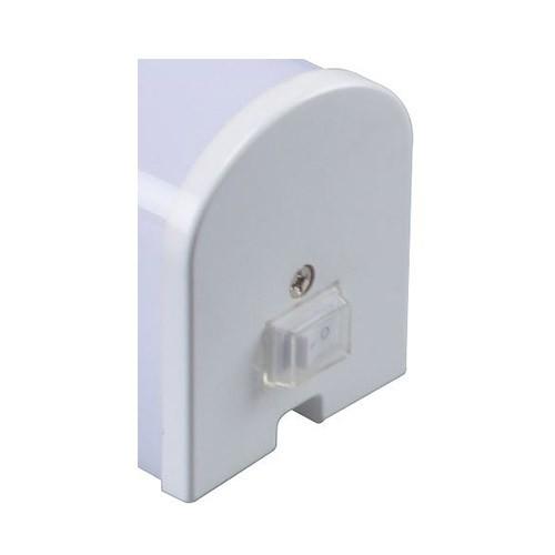 Réglette LED 230V 8W 900lm 4000°K 492mm avec interrupteur et prise 2P+T blanc