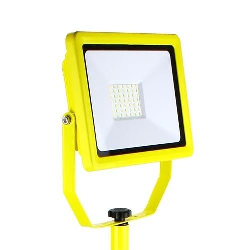 Projecteur de chantier LED sur trépied 230V 50W 4500lm 4000°K IP65