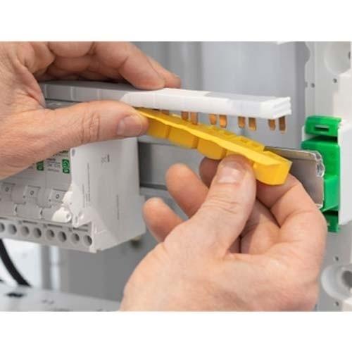 SCHNEIDER Resi9 XP Peigne d'alimentation électrique 13 modules Phase Neutre  - R9PXH213